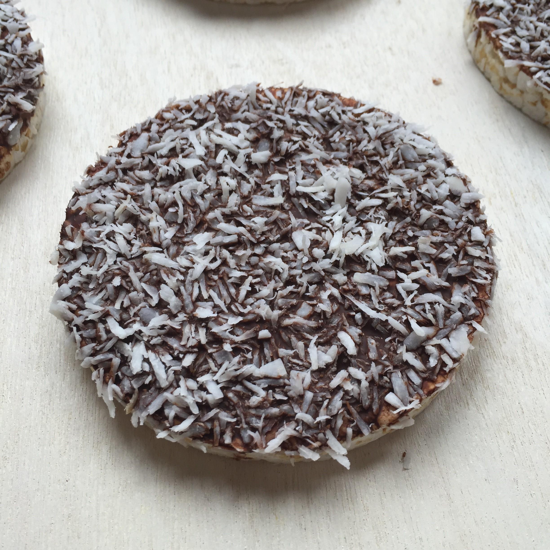 Chocolade rijstwafel met kokos 1